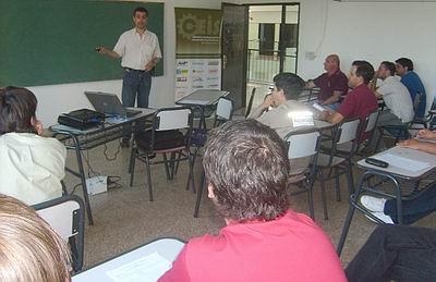 El taller se ofreció a trabajadores del acero (Foto: Ceis).