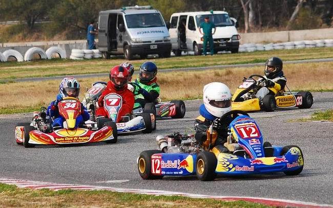 http://www.sunchaleshoy.com.ar/wp-content/uploads/2011/03/Karting_Santafesino650.jpg