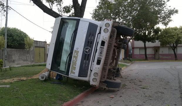 Camion Volcado 01